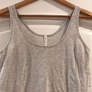 Splendid heather gray/white layering tank, new, M